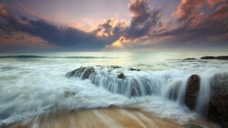 幻想的な波