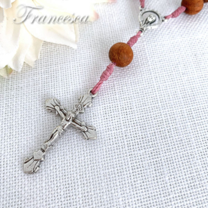 バイヨンウッドのミニロザリオ(桜ピンク) Rosary with Wood beads –Pink