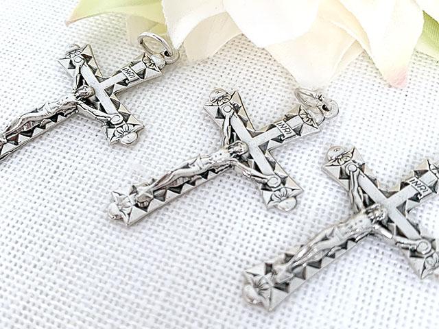 三角模様の十字架