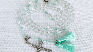数珠に見えるロザリオ ミントグリーン
